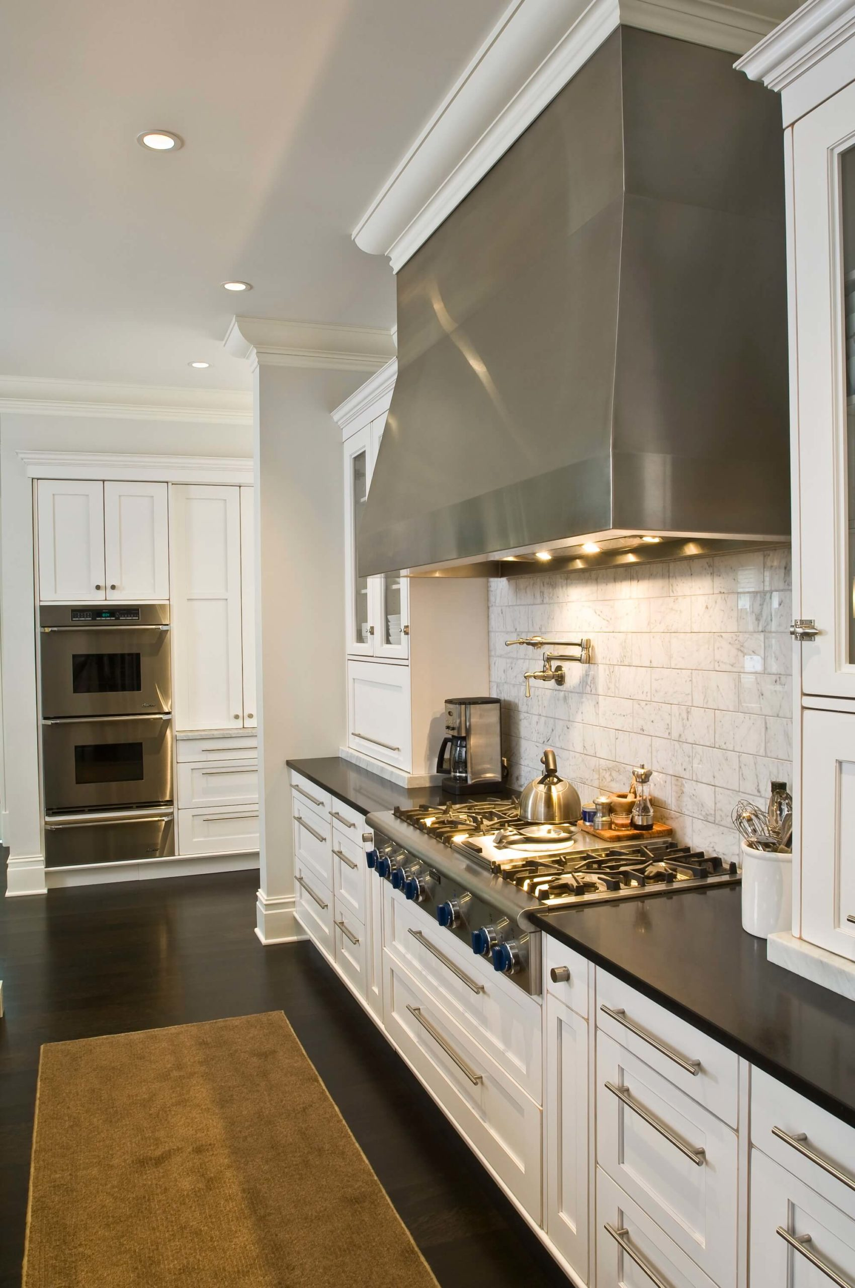 Excellent for Entertaining by Conceptual Kitchens